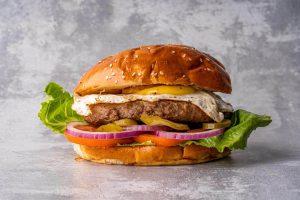 מיט סטופ - המבורגר עם ביצת עין